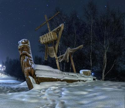 Карабль в снегу